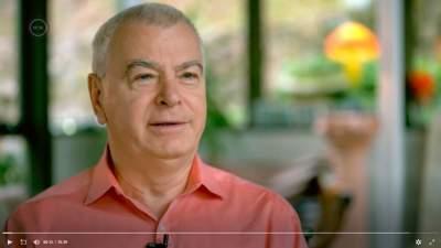 Buzsáki György agykutató az MTVA Amerikában jártunk - Mestersége címere... A világhírű magyarok című műsorában, képernyőfotó