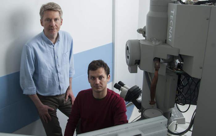 Nyiri Gábor (balra) és Szőnyi András - forrás: mta.hu/Szigeti Tamás