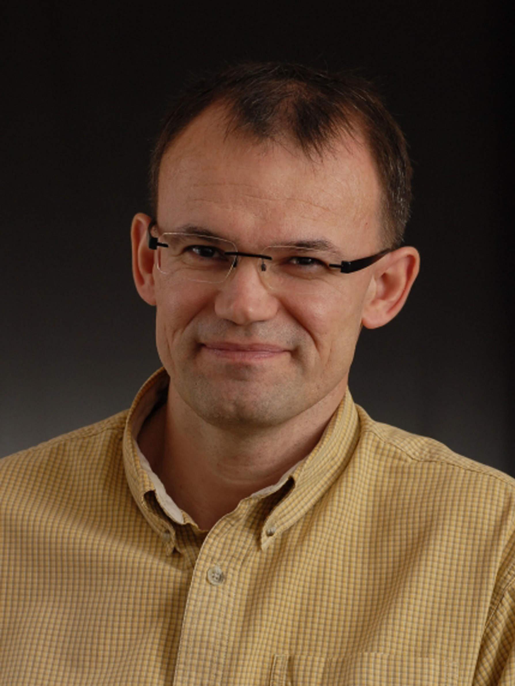 Axon Növekedés és Regeneráció Kutatócsoport - Mihály József - portré